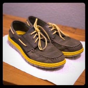 Sperry top slider loafer shoes (Grey and Yellow)